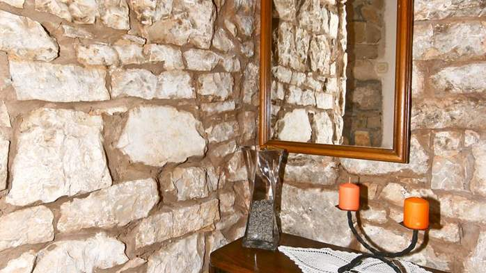 Istrian house in wood and stone on two floors for 4 persons, 34
